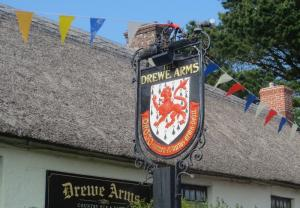 The Drew Arms Country Pub